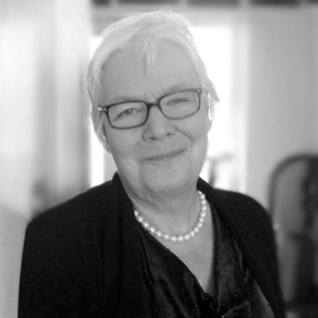 Dr Gail Kenney